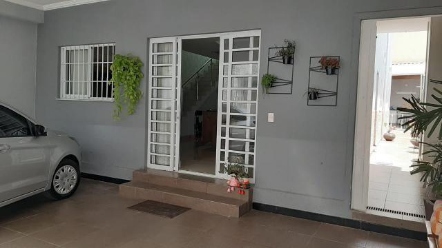 Belíssima casa, 3 quartos, 3 vagas, espaço gourmet