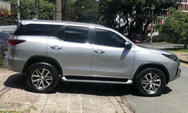 Toyota hilux sw4 srx 4x4 2.8 tdi 16v diesel aut 07 lugares ano 2018/19