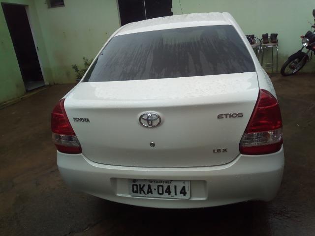 Vendo: veículo Toyota