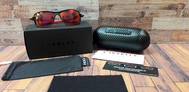 Óculos Oakley Carbon Shift Scuderia Ferrari Preto/Vermelho Polarizado - Novo - Foto 6