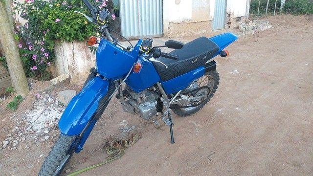 Vendo ou troco por moto menor fan ou titan 125 cc - Foto 2