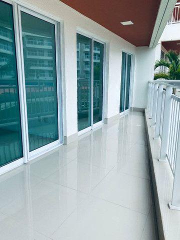 Apartamento três quartos, alto padrão, lazer completo, Porto das Dunas! - Foto 9