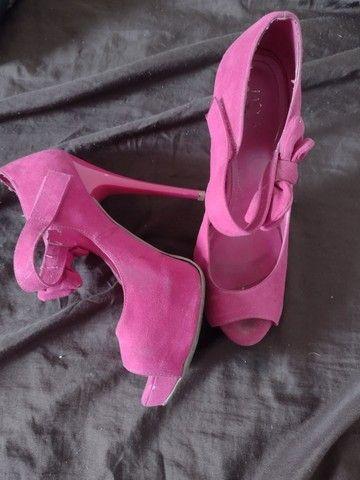 Roupas sapatos e bolsa - Foto 4