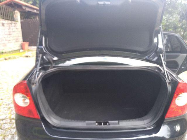 Focus sedan automático 2011 - Foto 5