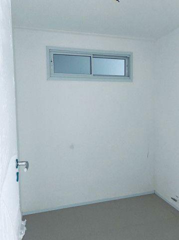Apartamento três quartos, alto padrão, lazer completo, Porto das Dunas! - Foto 14