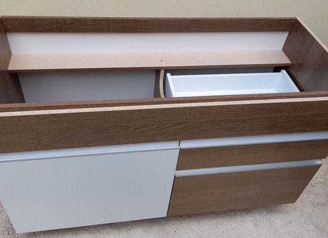 Balcão Novo de pia com 02 gavetas e 01porta cor branca e rustico - Foto 2