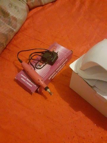 Vende-se uma cabine em uma lixa de unha elétrica semi-nova - Foto 3