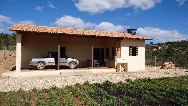 Casa as Margens do Lago Corumbá III