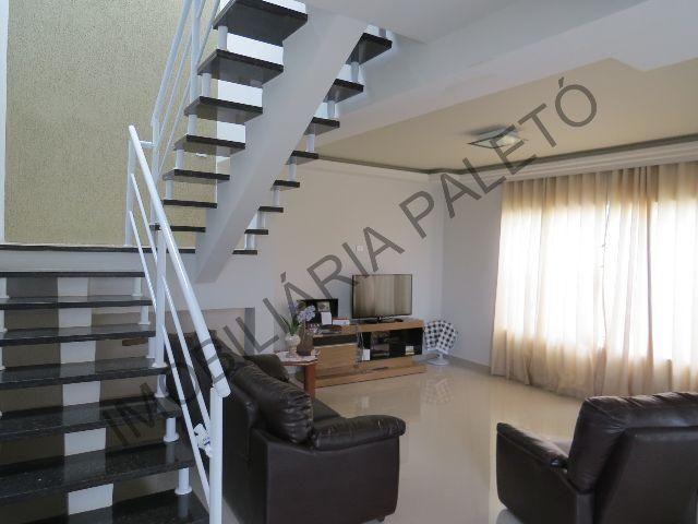 REF 102 Sobrado com 6 dormitórios, excelente localização, Imobiliária Paletó