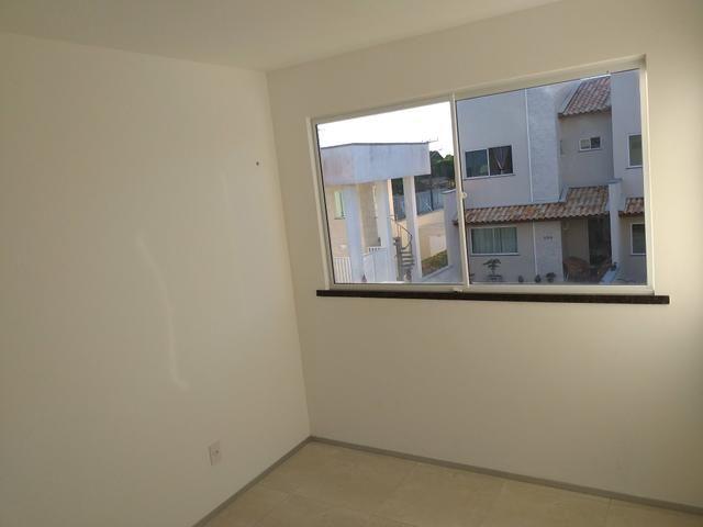 Linda casa em condomínio com ótima localização - Foto 12