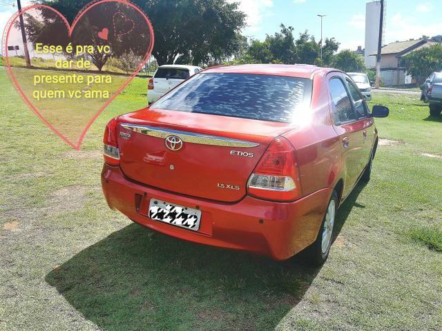 Toyota etios sedam 2013 xls 1.5 27.900,00 - Foto 2