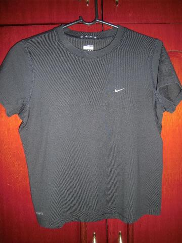 Camiseta Nike Fit - Foto 3
