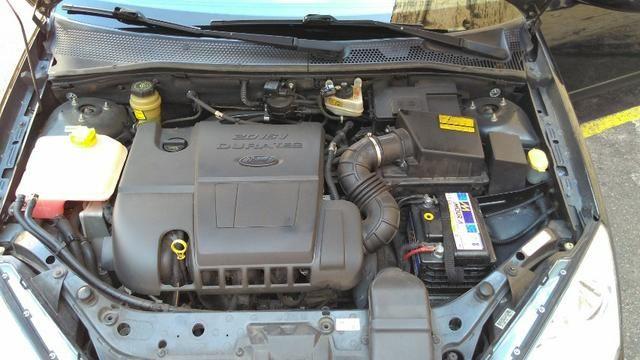 Focus Hatch GLX 2.0, 91 mil km, particular, nunca bateu, motor Duratec 147 cv - Foto 12