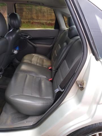 Focus sedan guia 2001 - Foto 13