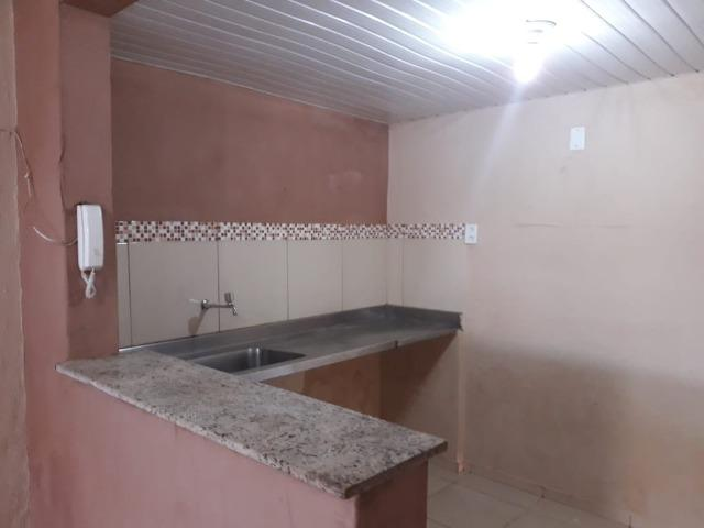 Alugo casa no Álvaro Weyne com 03 quartos - Foto 6