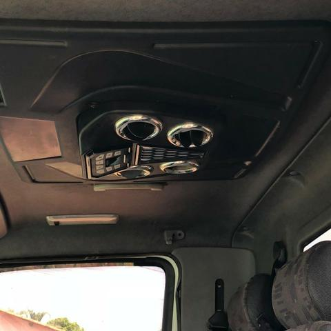 Mercedes Bens 715 carroceria - Foto 9