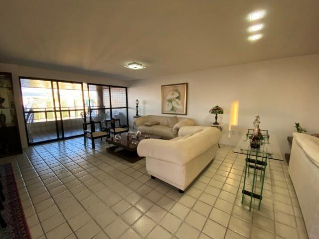 Cobertura duplex com 04 suites no bairro mauricio de nassau em Caruaru