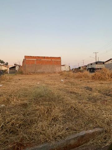 Vendo terreno 350metros quadrados de esquina - Foto 2