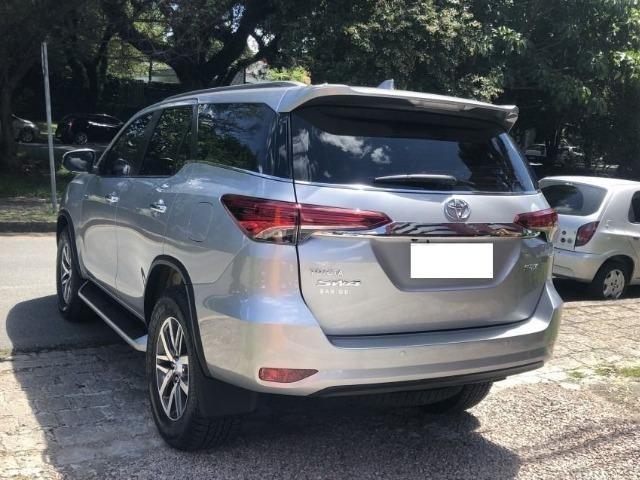 Toyota hilux sw4 srx 4x4 2.8 tdi 16v diesel aut 07 lugares ano 2018/19 - Foto 2