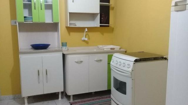 Kitnet mobiliada em Araucária livre de água e luz