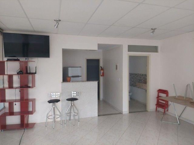 Apartamento mobiliado 2/4 com suíte 3° andar - Foto 7