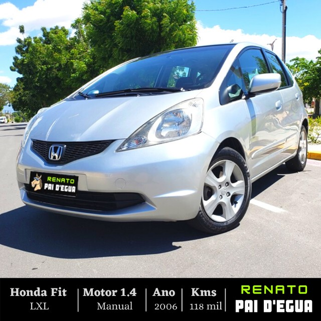 Honda Fit LXL 1.4 Manual - Renato Pai Degua