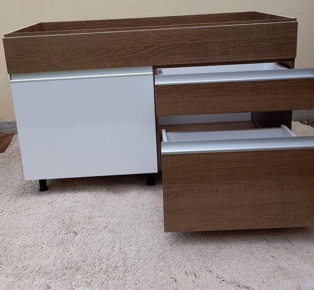 Balcão Novo de pia com 02 gavetas e 01porta cor branca e rustico - Foto 5