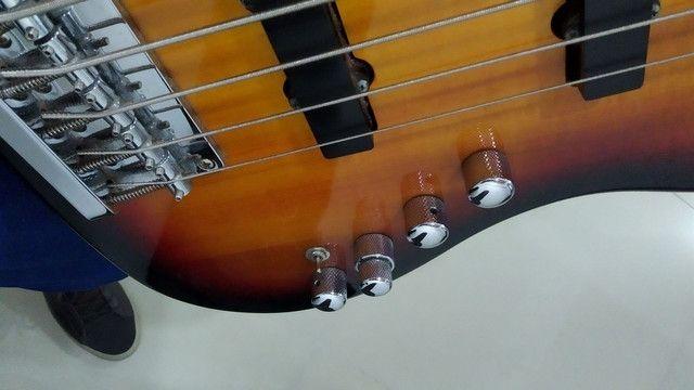 Baixo ativo Squier Jazz Bass Delux V - Foto 3