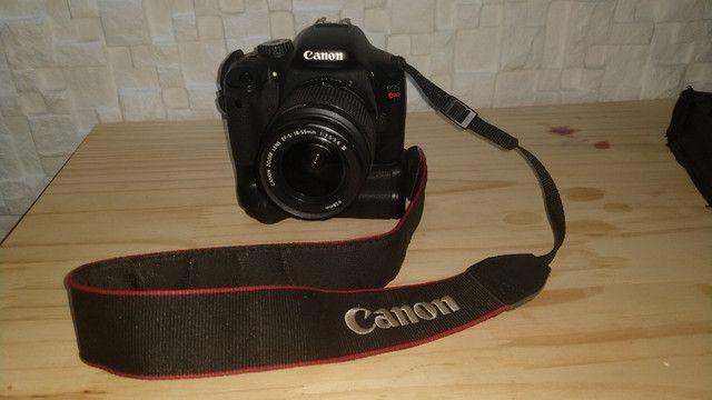 Câmera Profissional Canon EOS Rebel T2i - Usada