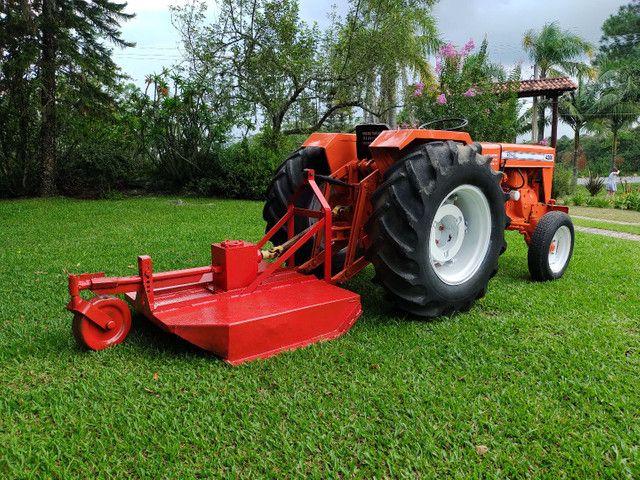 Trator Agrale 4200 com roçadeira