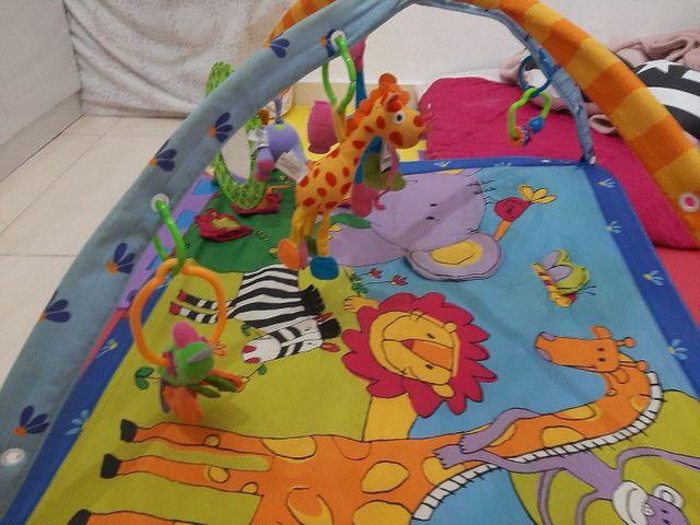 Tapete de atividades + brinquedo pra carrinho - Foto 2