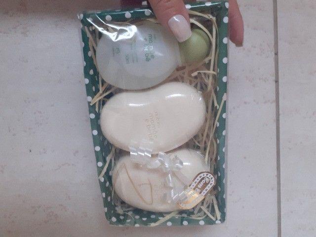 kit mimo miniaturas mamãe e bebê 3 iténs, colônia e 2 sabonetes. zap *