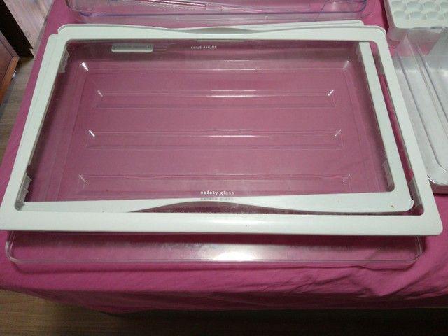 Prateleiras de vidro geladeira Eletrolux dc51x - Foto 3
