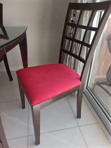 Mesa triangular com 6 cadeiras - Foto 2
