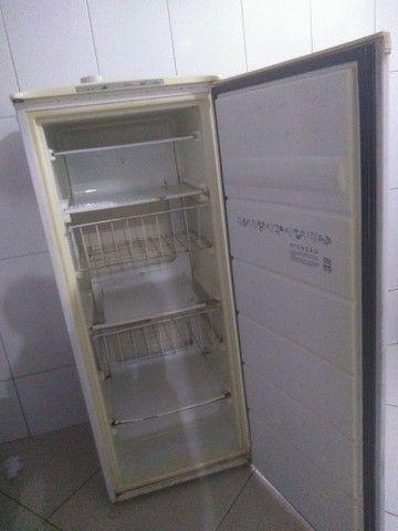 Freezer top vendo ou troco em uma geladeira do meu interesse não do volta - Foto 3
