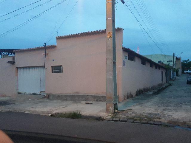Casa funcionava escola
