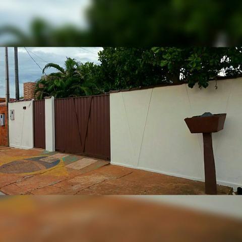 Vendo ou troco casa em Pimenta Bueno por chácara ou casa em Ji-Paraná.