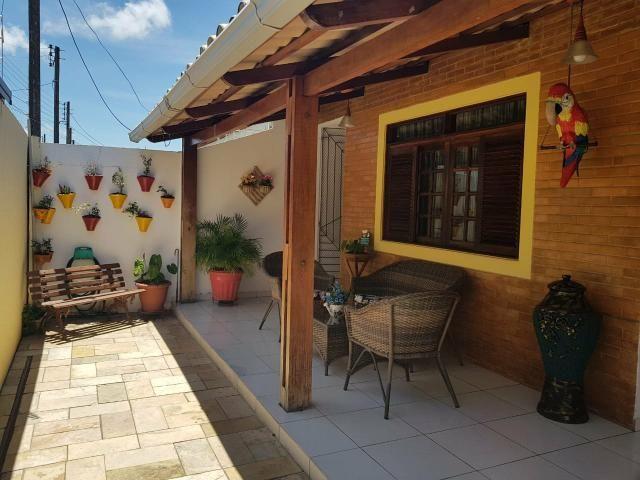 Belíssima casa com 3 quartos à venda no Conjunto Pajuçara, Maceió-AL