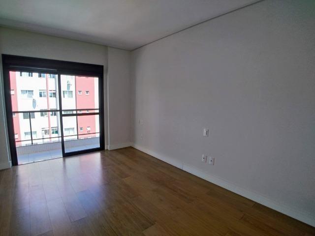 Apartamento no Centro em Itajaí. 3 Suítes, 147M², 2 Vagas de Garagem - Foto 11