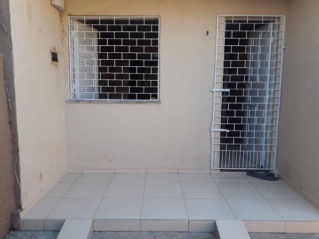 Alugo casa no Álvaro Weyne com 03 quartos - Foto 9