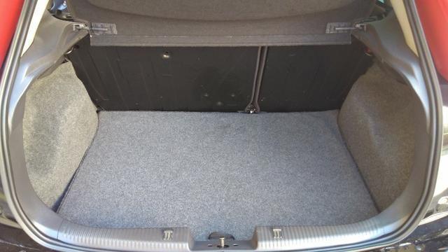 Focus Hatch GLX 2.0, 91 mil km, particular, nunca bateu, motor Duratec 147 cv - Foto 11
