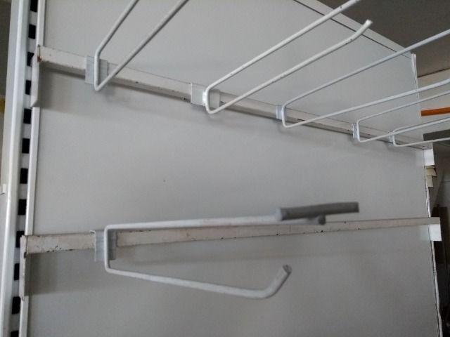Ganchos para expositores  e gondolas - Foto 2