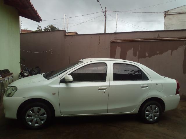 Vendo: veículo Toyota - Foto 2
