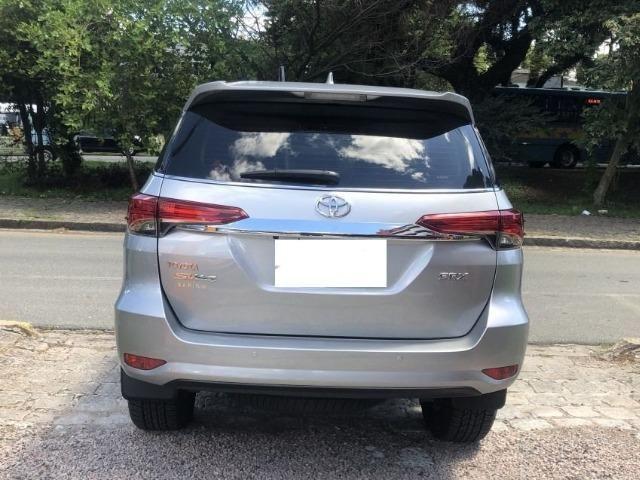 Toyota hilux sw4 srx 4x4 2.8 tdi 16v diesel aut 07 lugares ano 2018/19 - Foto 3