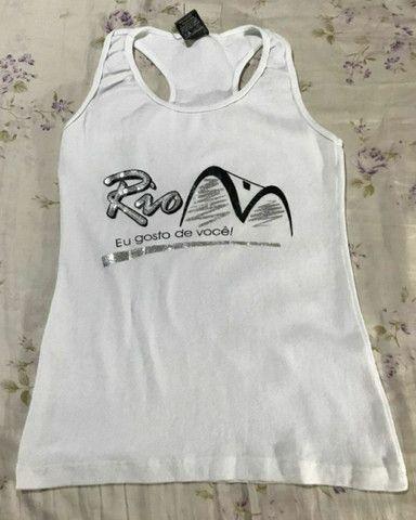 Camiseta de malha feminina com estampa Rio de Janeiro