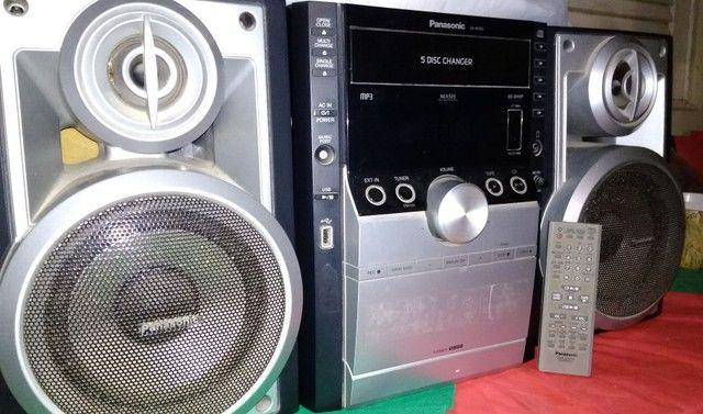 Som Panasonic completo (com controle) -  5 discos (MP3)<br> -  300 reais para vender logo!