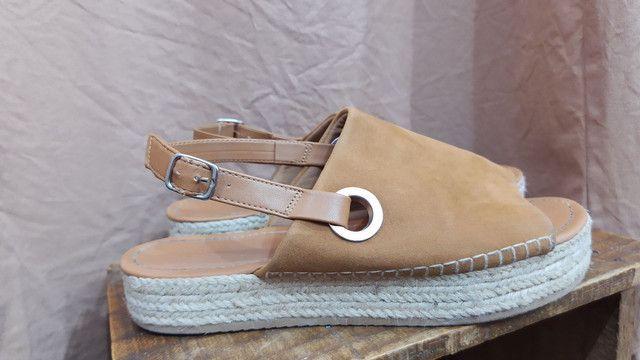 Sandália Plataforma camurça