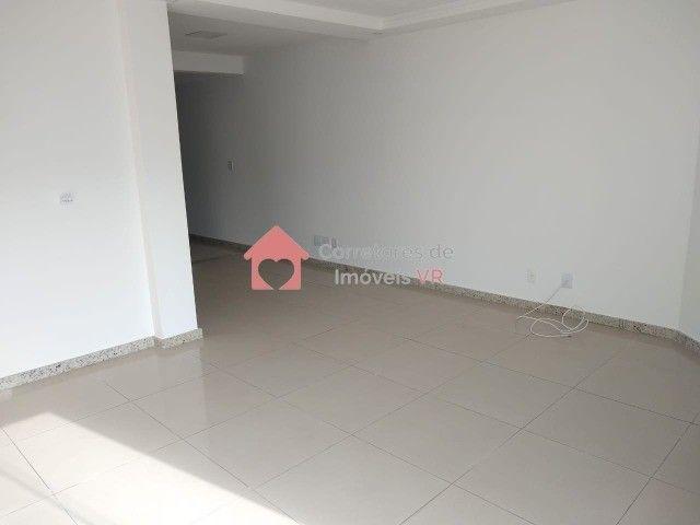Apartamento amplo, 3 dormitórios sendo 1 suíte a Venda! - Foto 3