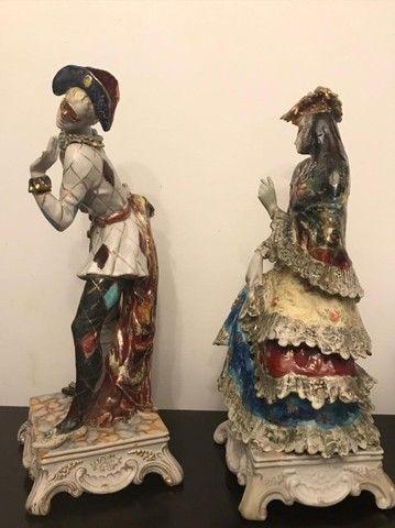 Estatuetas em porcelana Pierrot e Colombina Italiana - Foto 4