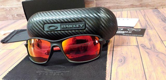 Óculos Oakley Carbon Shift Scuderia Ferrari Preto/Vermelho Polarizado - Novo - Foto 5